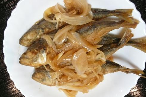 安くてカルシウムたっぷりの小アジの南蛮漬けで有機米のご飯がすすみます