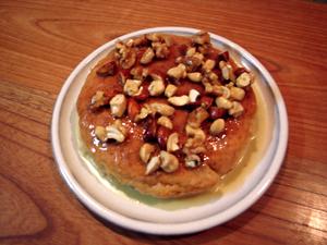 国産小麦のナッツケーキ