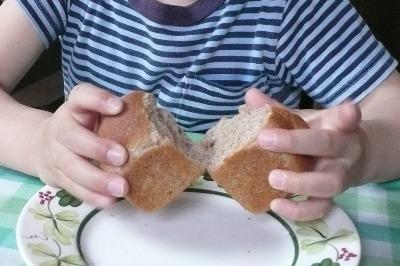 ナッツ入りパン、はやく食べたいよー!!