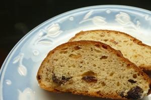 金沢大地のオーガニック小麦ナンブで焼いたクリスマスのパン、シュトーレン